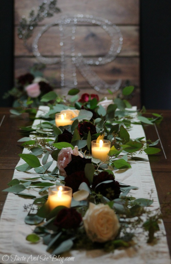 Simply Elegant Wedding Centerpiece