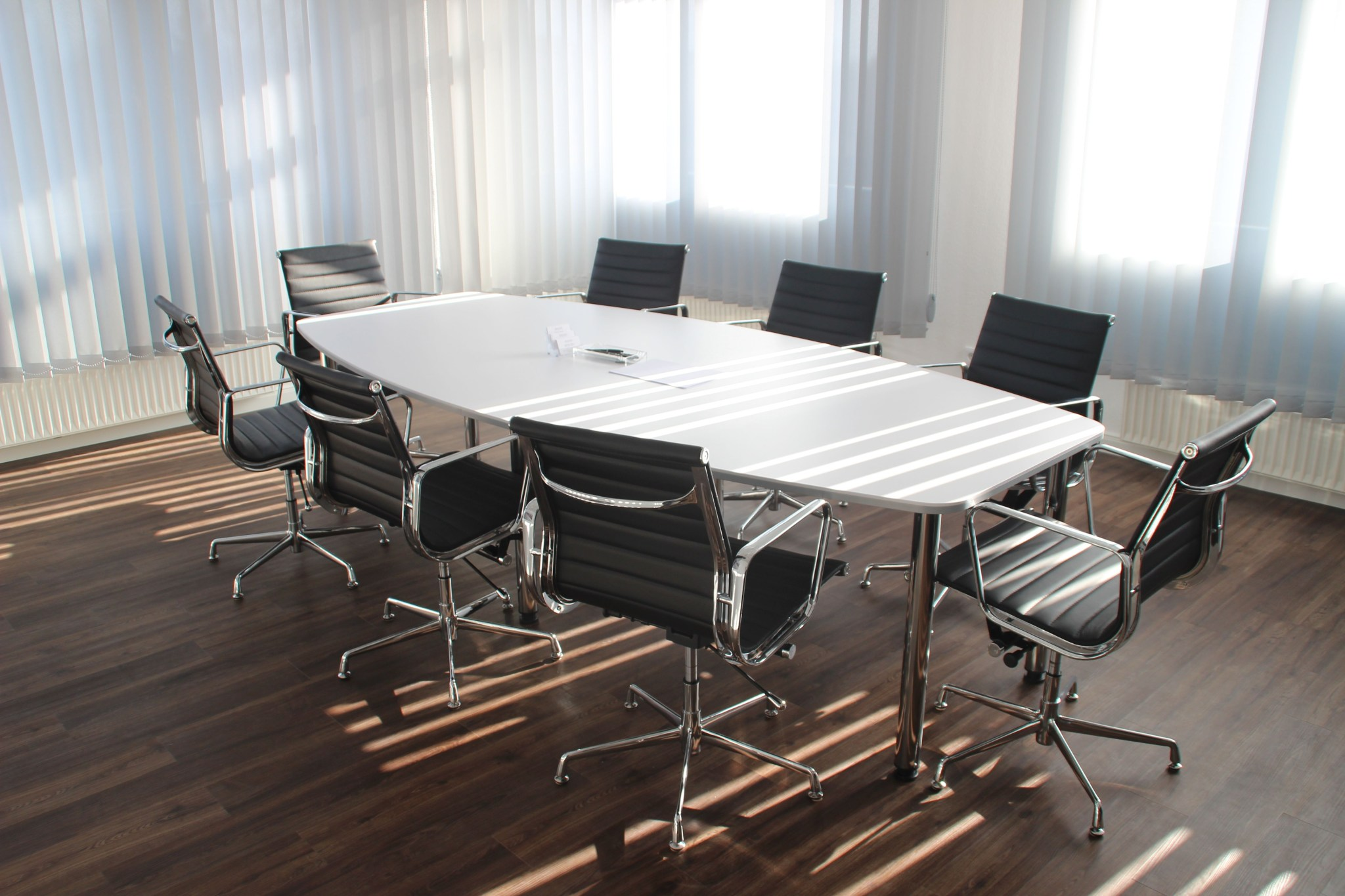 Canva White Wooden Table With Chairs Set