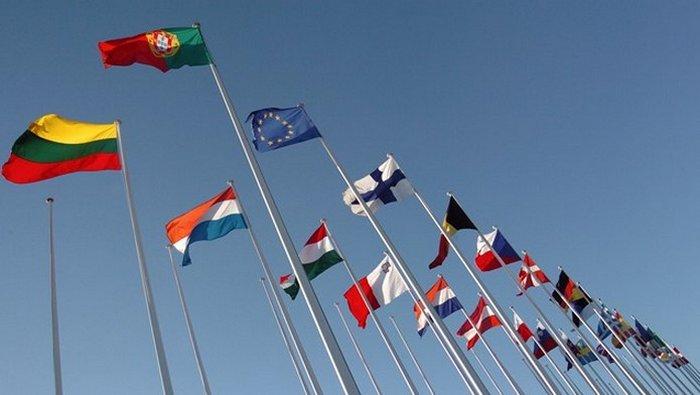 La Commission européenne plaide pour une réouverture sur l'international