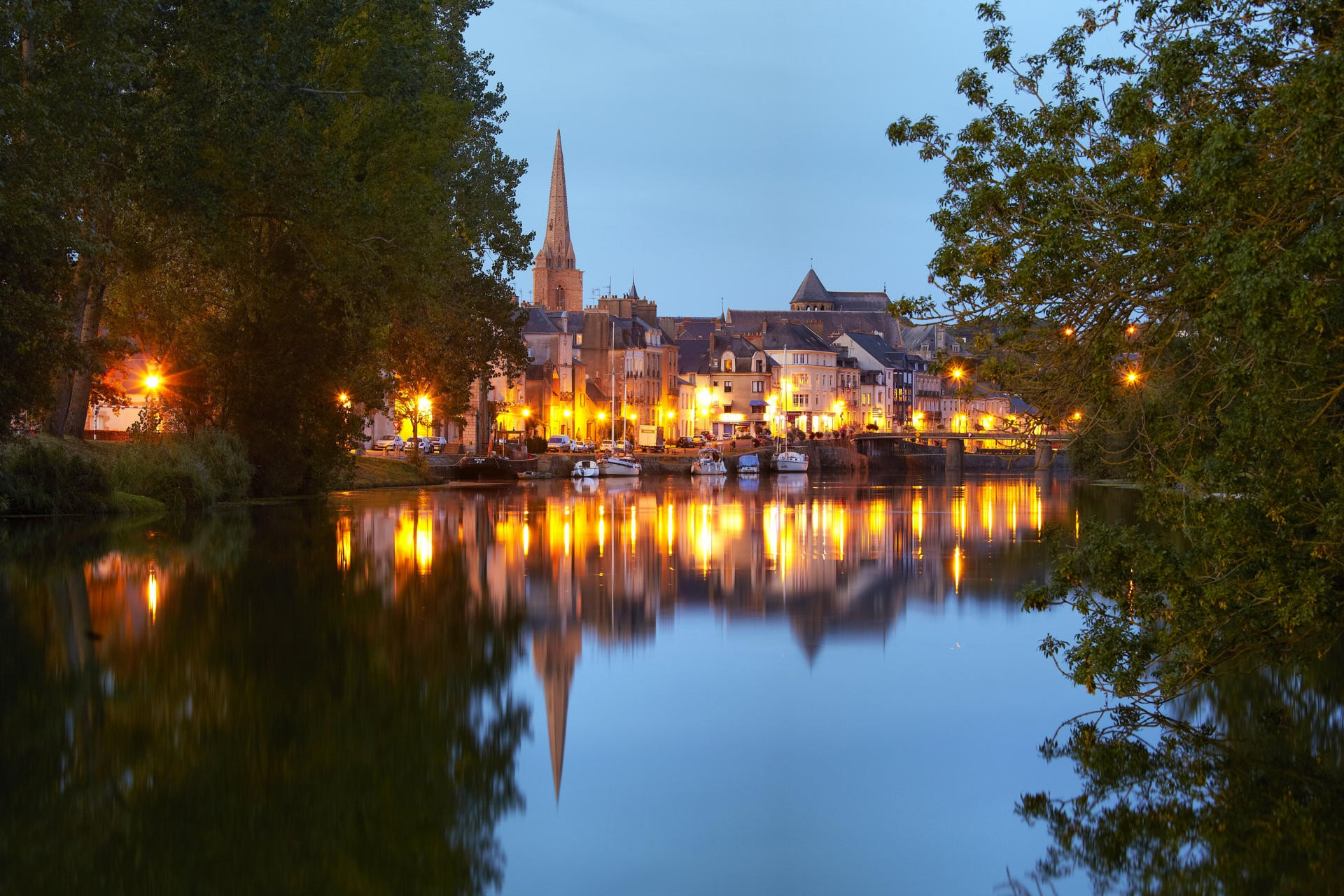 la Velodyssee, le canal la nuit