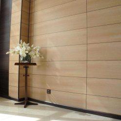 яркий интерьер стен из декоративных панелей