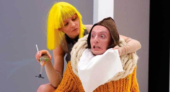 Ольга Белинская и Илья Дель в спектакле «Кукольный дом»