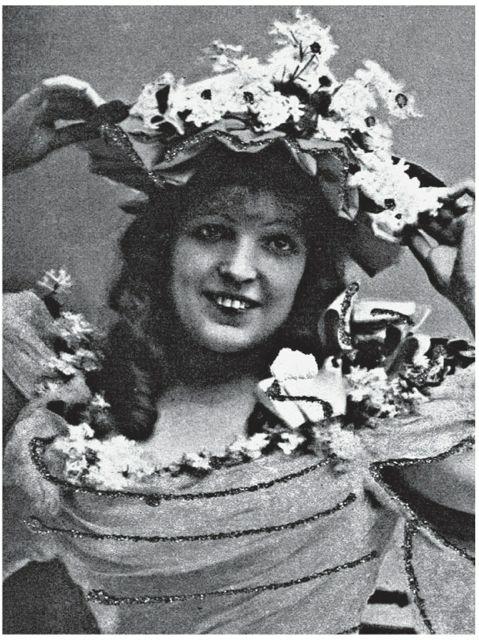 Суперстар английской музкомедии Мари Ллойд (1870—1922), которую на протяжении всей ее карьеры называли королевой мюзик- холла. Открытка начала ХХ века