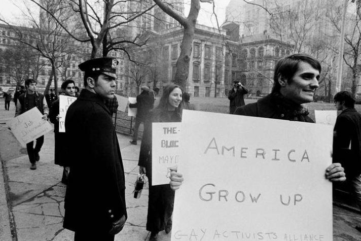 Демонстрация против дискриминации геев в Нью-Йорке в 1970 году.