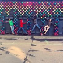 На бывшей парфюмерной фабрике, заводе «Флакон», в апреле 2015 года состоялся фестиваль современного танца «ПроДвижение». Педагог фестиваля Александра Портянникова из московского танцевального кооператива «Айседорино горе», специализирующегося на site-specific dance, дала мастер-класс студентам, как осваивать пространство и обуздывать обстоятельства.