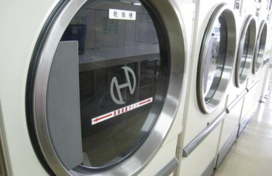 コインランドリーの乾燥機の画像