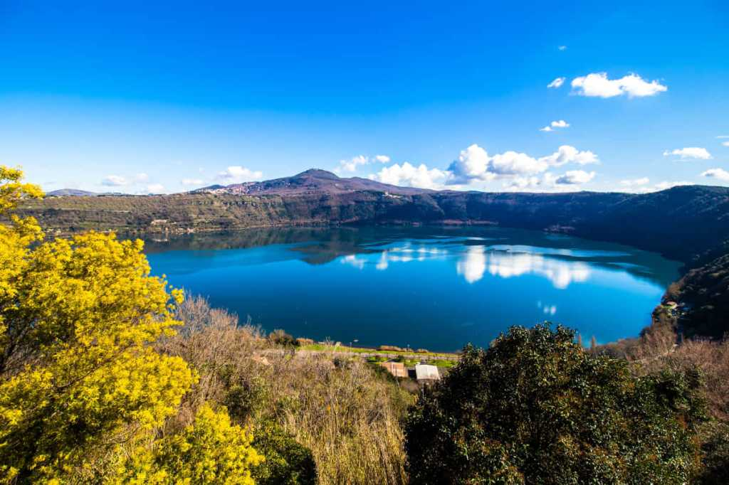 Day trips from Rome: Lake Albano in Castel Gandolfo