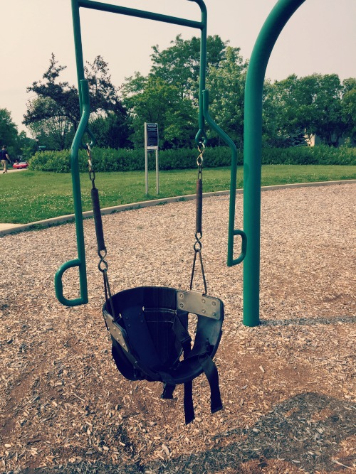 Review of fountain square park in elk grove village illinois for Swingvillage