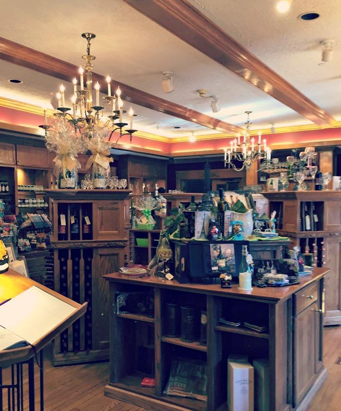 Lynfred-Winery-Gift-Shop