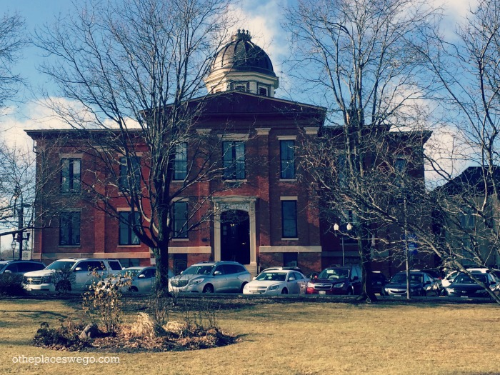 Old Courthouse at Woodstock Square