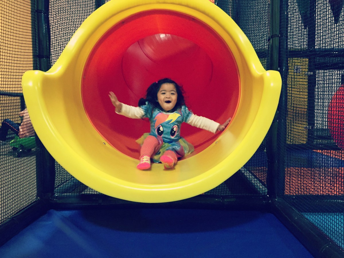 Buzz on over to BumbleBee Play Cafe in Elgin