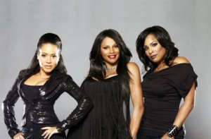 Salt-N-Pepa-Photo-Three