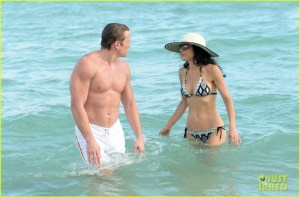 Bikini Clad Bethenny Frankel Ring in The New Year With Shirtless, Hunky Mystery Man