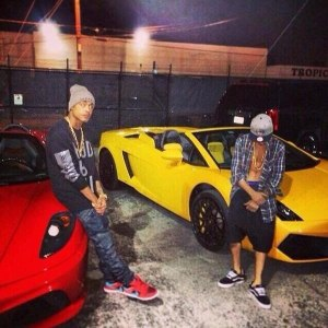 Justin-Bieber-posing-infront-of-his-rented-Yellow-Lamborghini-in-Miami-FL-on-Jan.-22-2014.-Courtesy-Of-Instagram