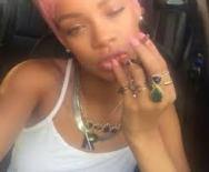 Rihanna Pink Hair5