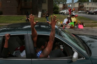 FERGUSON OTHER SIDE OF THE FAME _PHOTO ROBERT COHEN ST LOUIS DISPATCH 2