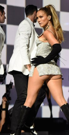 JLO FASHION ROCKS_OTHER SIDE OF THE FAME