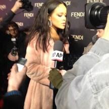 RihannaFendi3
