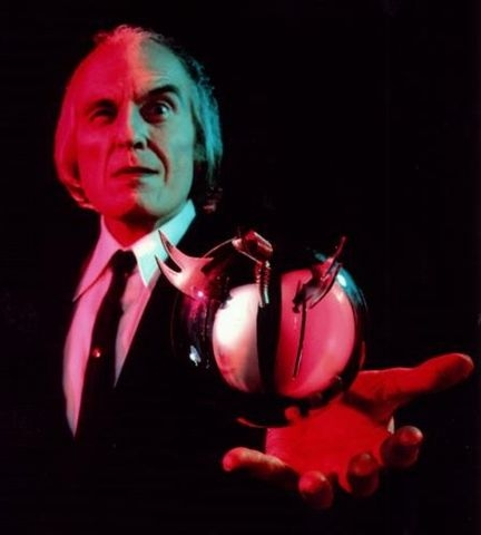 angus scrimm tall man
