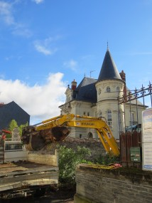 Angers: dream house! (I also love diggers.)