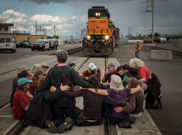 mosier-train-oil-protest