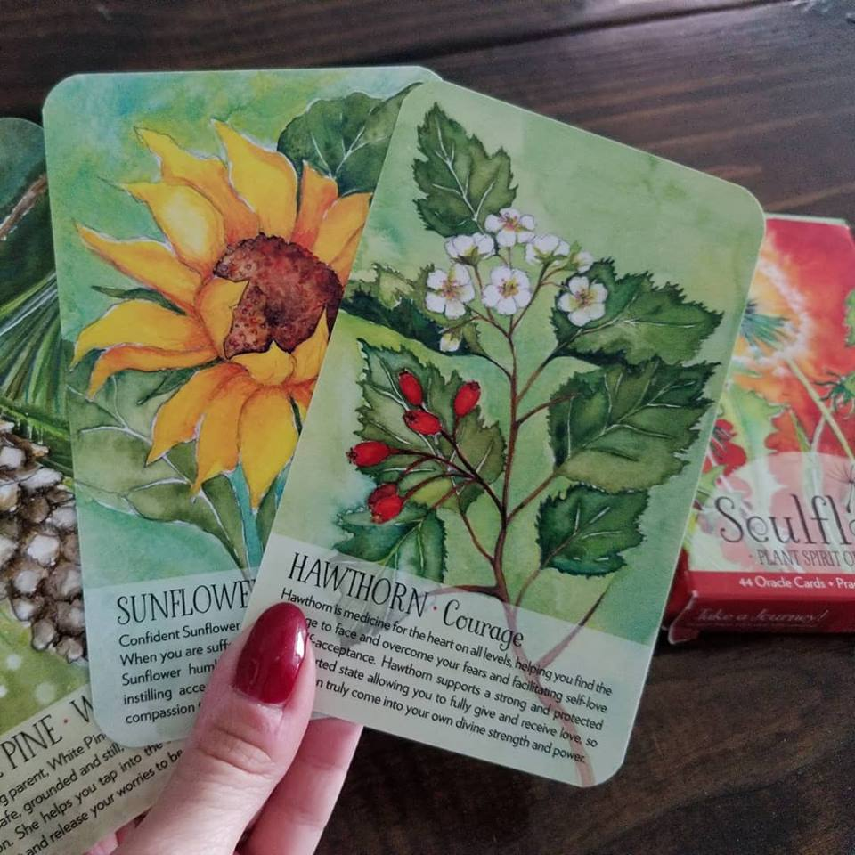 Pull an oracle card for everyday magick.