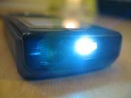 Die LED an der Gehäuseoberseite. Praktisch.