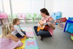 Cómo utilizar la musicoterapia para ayudar a los niños autistas