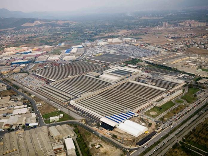"""1 milyon metrekarelik Tofas Bursa fabrikasında üretim, """"içten"""" çözüldü."""