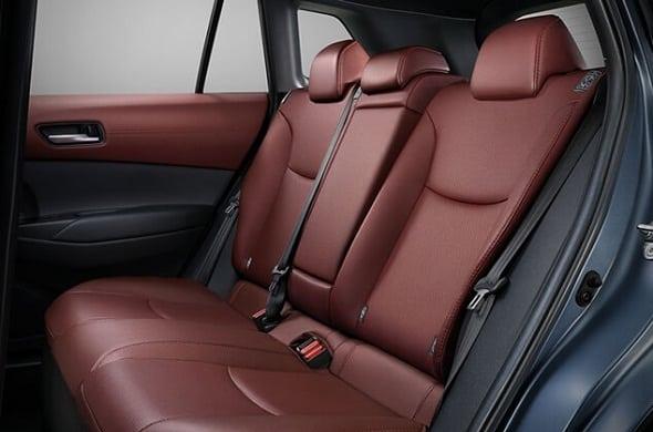 Toyota Corolla Cross gia lan banh bao nhieu otobinhthuan vn
