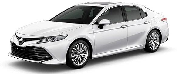 Toyota camry mau trang ngoc trai