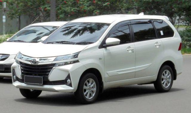 Toyota Avanza 1.5at so tu dong