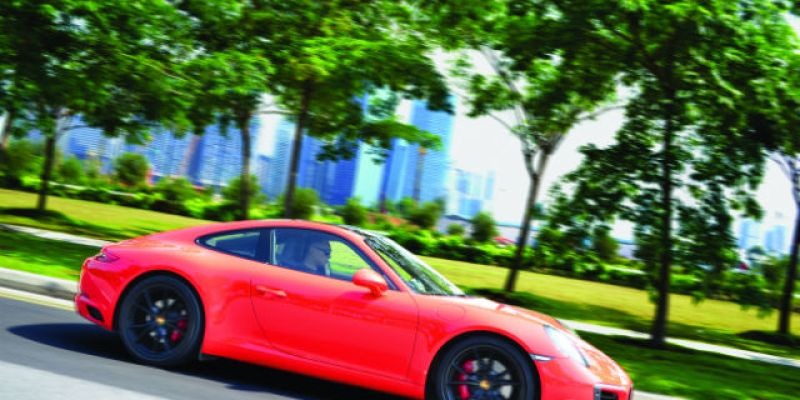 "FIRST DRIVE | Porsche 911 Carrera S: ""The Iconic Shootout"""