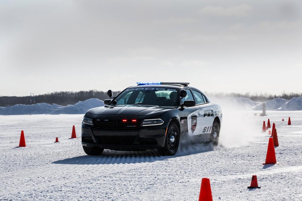 Dodge Charger Pursuit, Ada Fitur Perlindungan Petugas Polisi