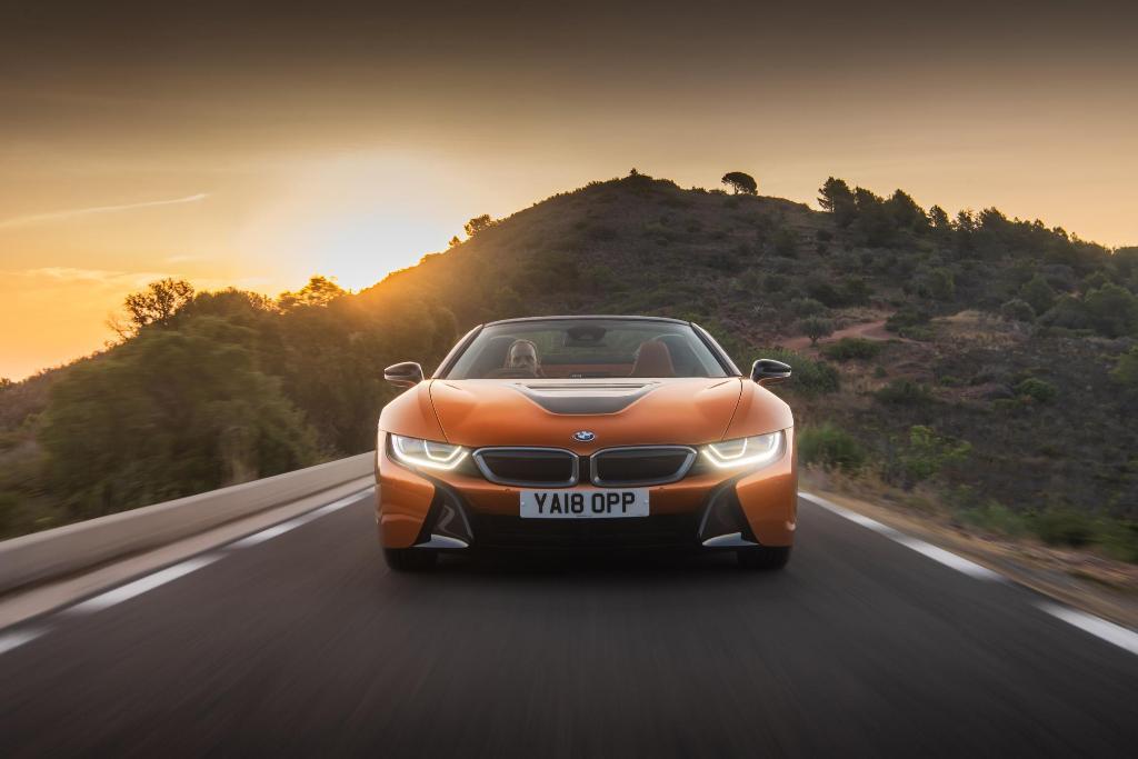Penasaran All New BMW i8 Roadster?