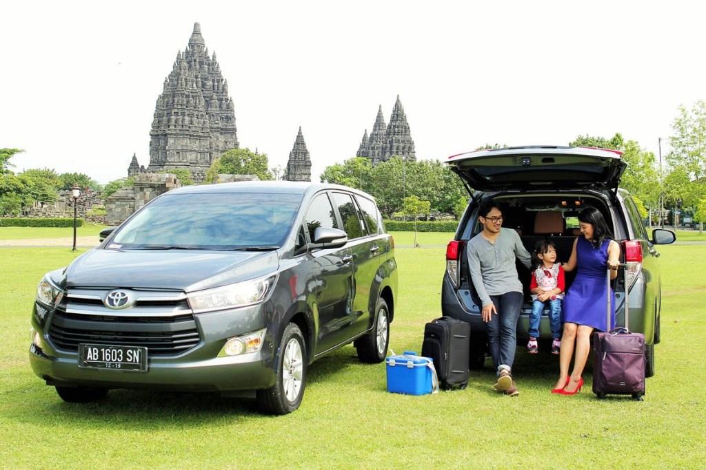 Toyota Kijang Innova Sandang Mobil Favorit Keluarga