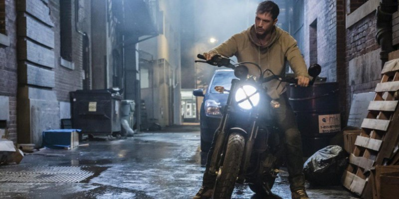 Venom Beraksi Pakai Ducati Scrambler Misterius