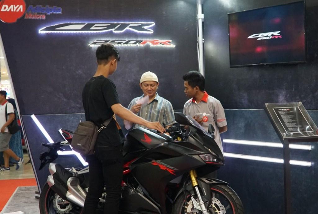 Honda Sport Motoshow 2018 Sapa Konsumen Bandung dan Karawang