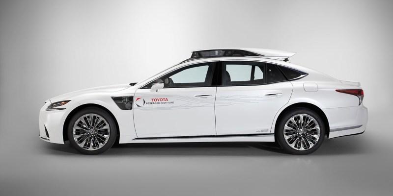 Masa Depan, Toyota Tak Libatkan Manusia Pegang Kemudi