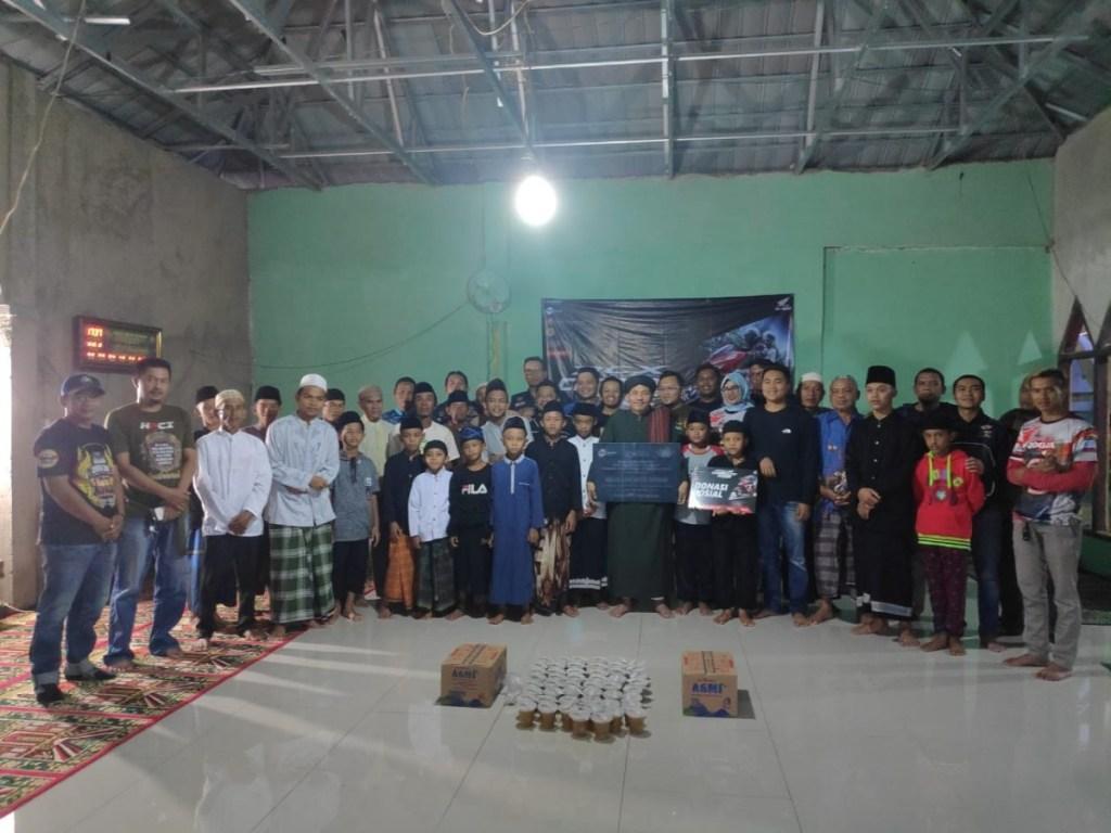 Komunitas Honda PCX Bandung Gelar Aksi Sosial di Bulan Ramadhan