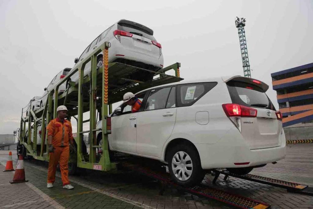 Toyota Jejalkan Mesin Hybrid pada Innova Terbaru