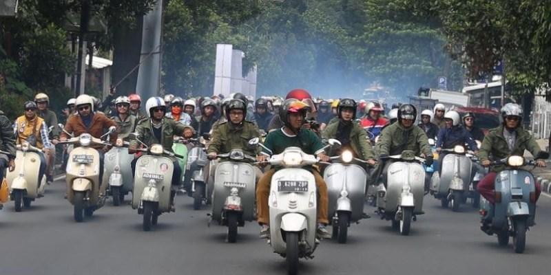 Kemeriahan Komunitas Vespa Rayakan Mods Mayday di Bandung