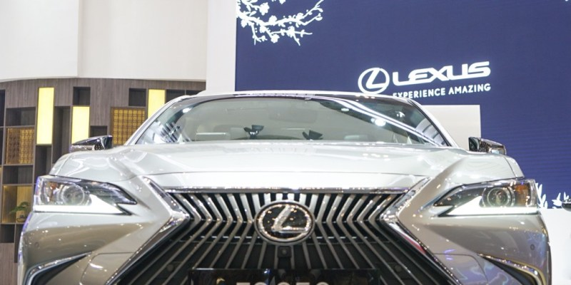 The New Lexus ES 250 Hadir di GIIAS 2019