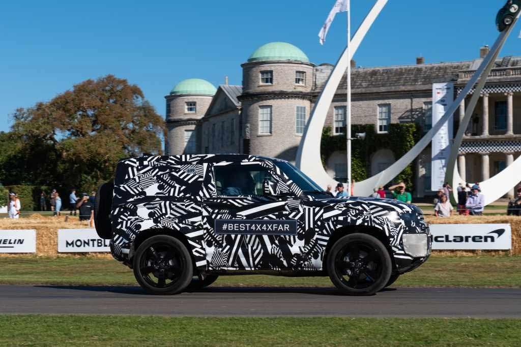 Land Rover Defender Melenggang di Goodwood Festival of Speed 2019