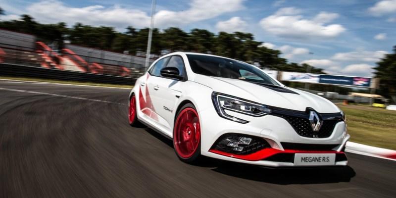 Renault Megane R.S. Trophy-R, Dijual Agustus 2019