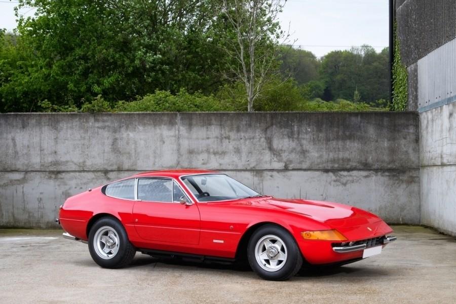 Ferrari 365 GTB/4 Daytona Milik Sir Elton John Dijual