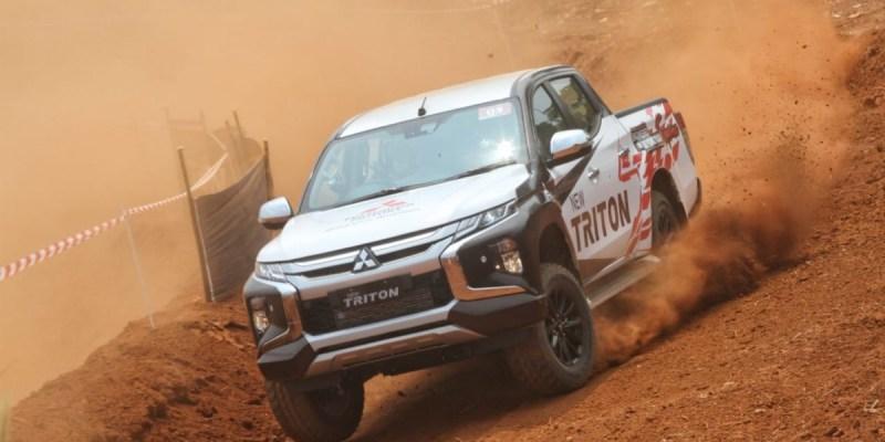 Mitsubishi Pamer Ketangguhan New Triton, Tertarik Ikutan?