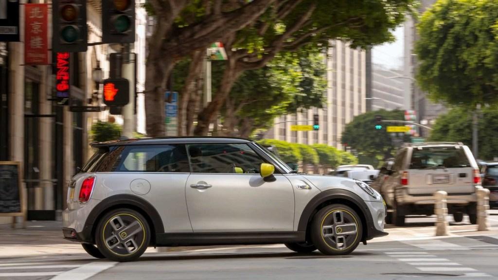 Mobil Listrik MINI Sudah Dipesan 45 Ribu Unit