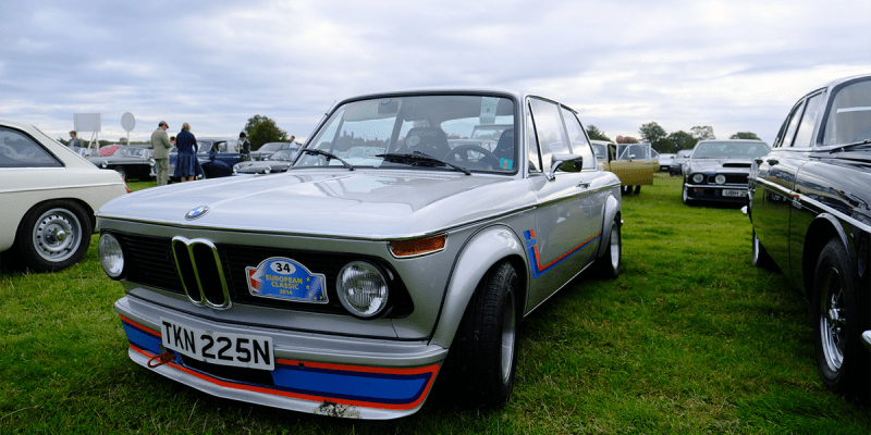 7_classic_and_sports_car_goodwood_revival_2019_MM_BMW_2002