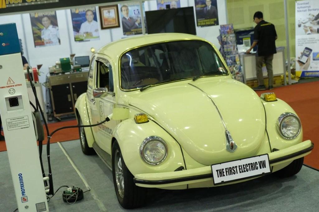 Habiskan Rp 1 Miliar, Ini Dia Volkswagen Beetle Listrik Pertama